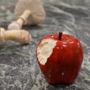 Pomme croquée