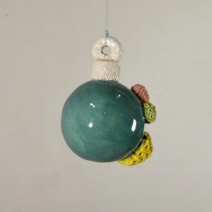 Boule de Noël abîmée #1