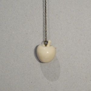 Collier Blanche pomme #1